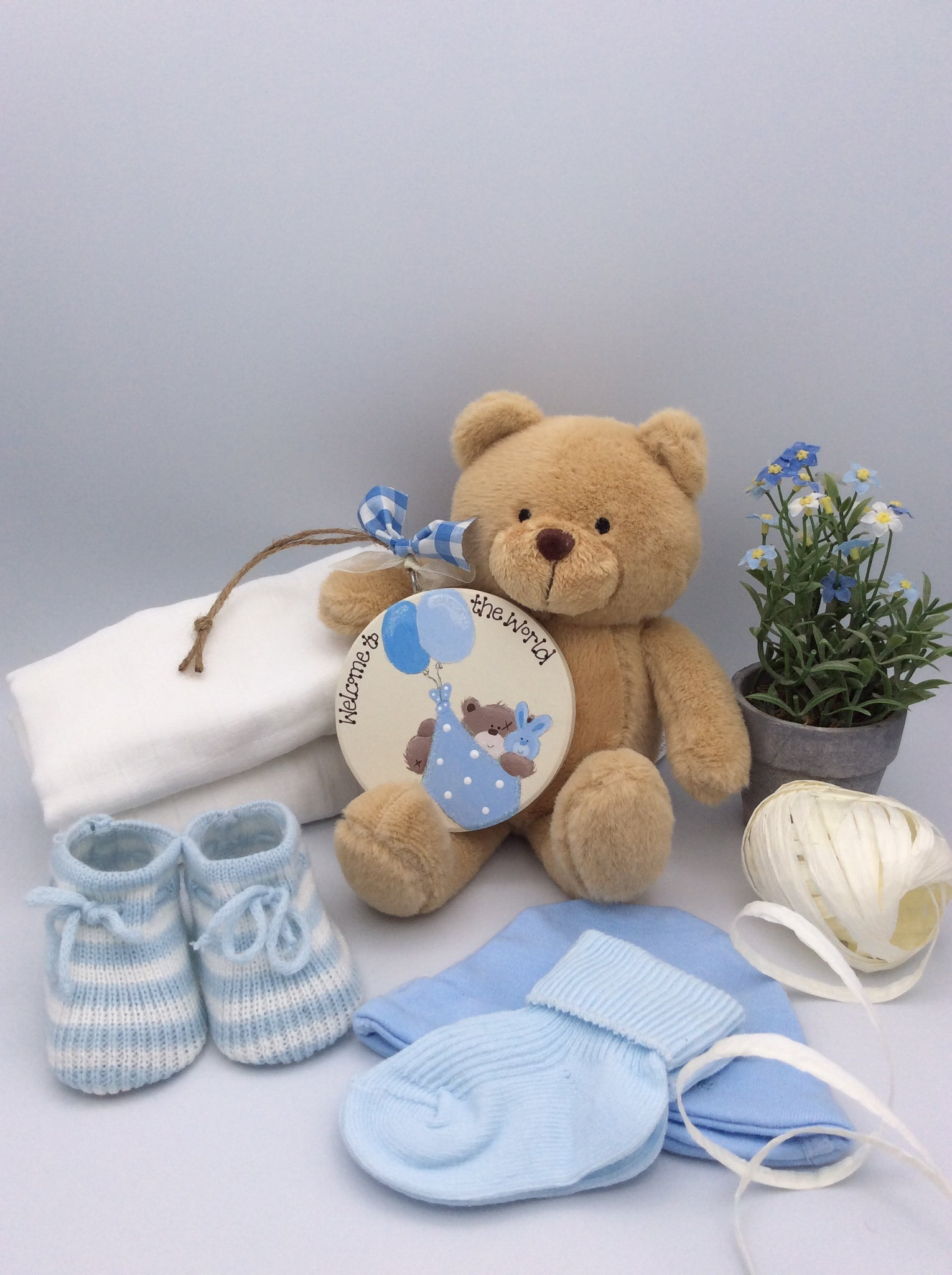 Baby gift box with Personalised keepsake