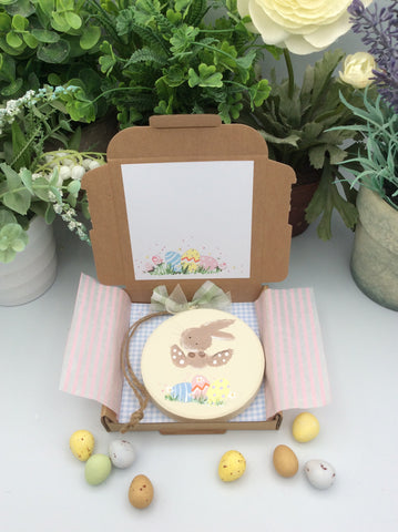 Bunny jumping Easter eggs keepsake card and gift in one