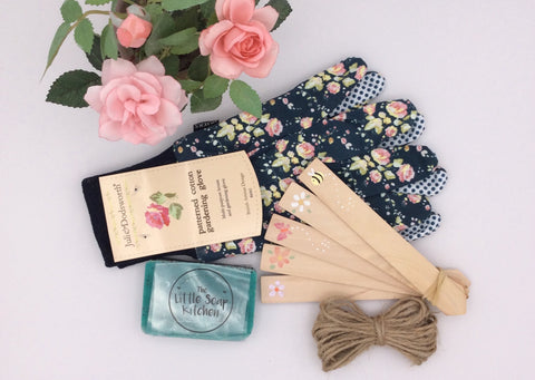 Gardeners gift set with plant markers, soap and gloves.