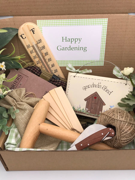 Deluxe personalised men's gardening gift set
