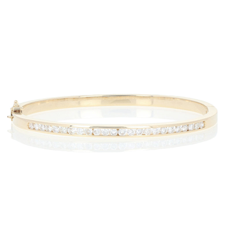 "1.52ctw Round Brilliant Diamond Bracelet 6 3/4"" - 14k Yellow Gold Oval Bangle"