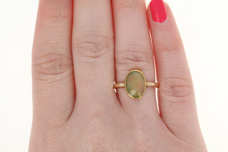 Welo Opal Solitaire Ring