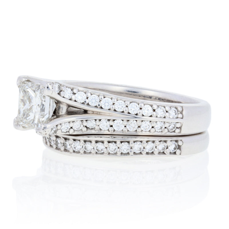 1.06ct Diamond Engagement Ring & Wedding Band