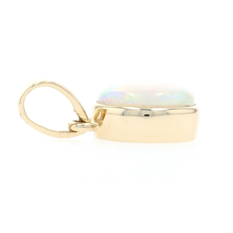 .79ct Opal Pendant Yellow Gold