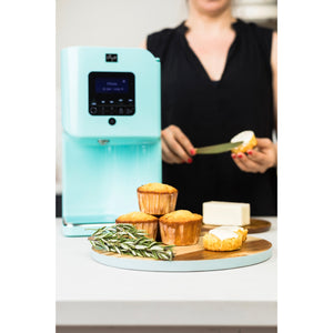 Levo 2 Oil Infuser Robin Blue Lifestyle