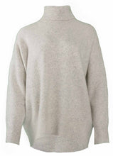 Laden Sie das Bild in den Galerie-Viewer, Pullover mit Rollkragen - grey mist