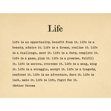 Load image into Gallery viewer, A Collection of Brilliant Quotations for a Beautiful Life