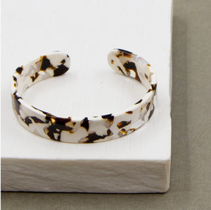 Simple Fused Cream Mix Resin Bangle