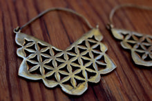 Load image into Gallery viewer, FLOWER OF LIFE EARRING DESIGN