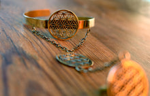 Load image into Gallery viewer, FLOWER OF LIFE BRACELET