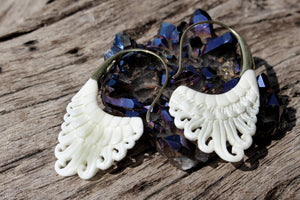 WHITE BONE EARRINGS
