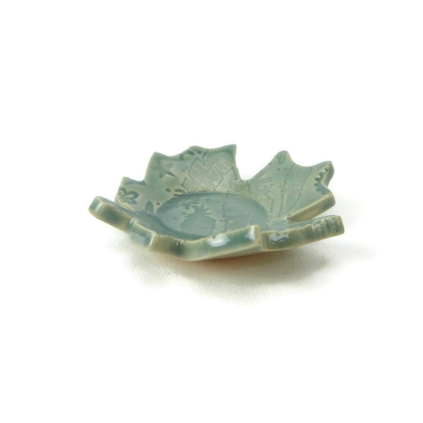 Fog Blue Maple Leaf Trivet with Feather Pattern