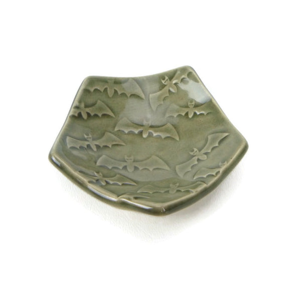 Bat Pentagon Trivet in Smoke Grey