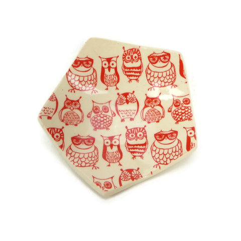 Red and White Owl Trivet