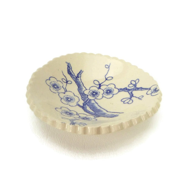 Blue and White Cherry Blossom Patterned Round Trivet