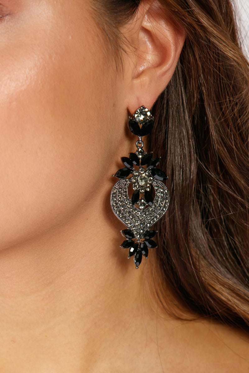 Boom boom black earring