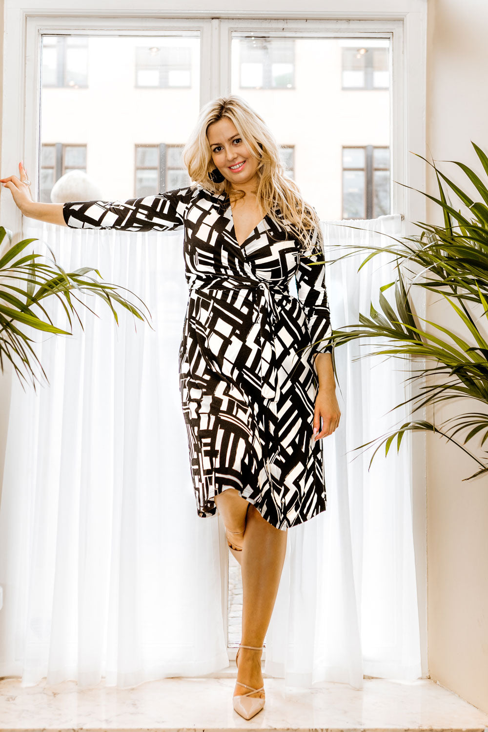 Gabrielle wrap jersey dress - Black&White