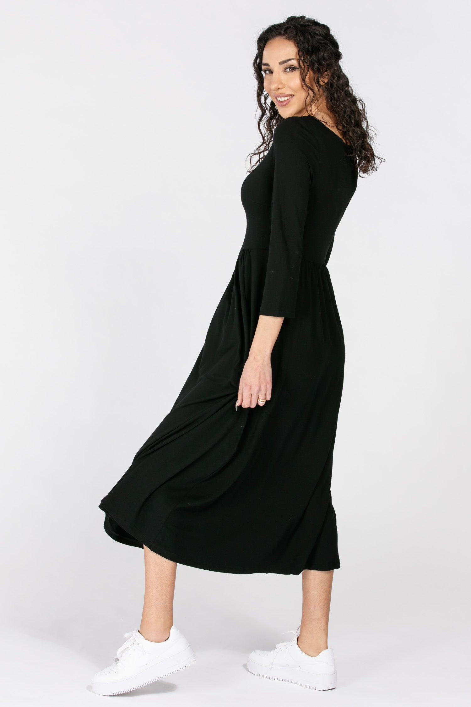 Ideal midi lenght jersey dress - Solid black