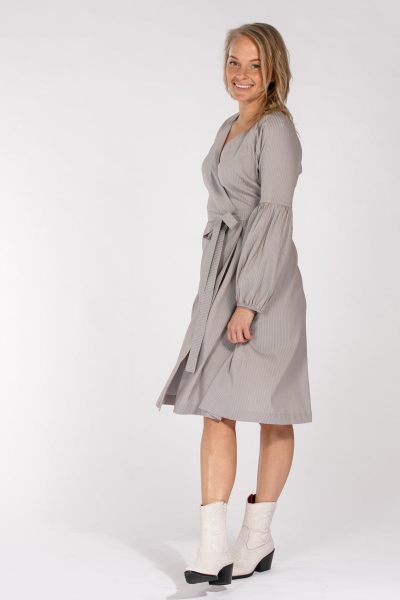 Centro wrap dress - Dove blue