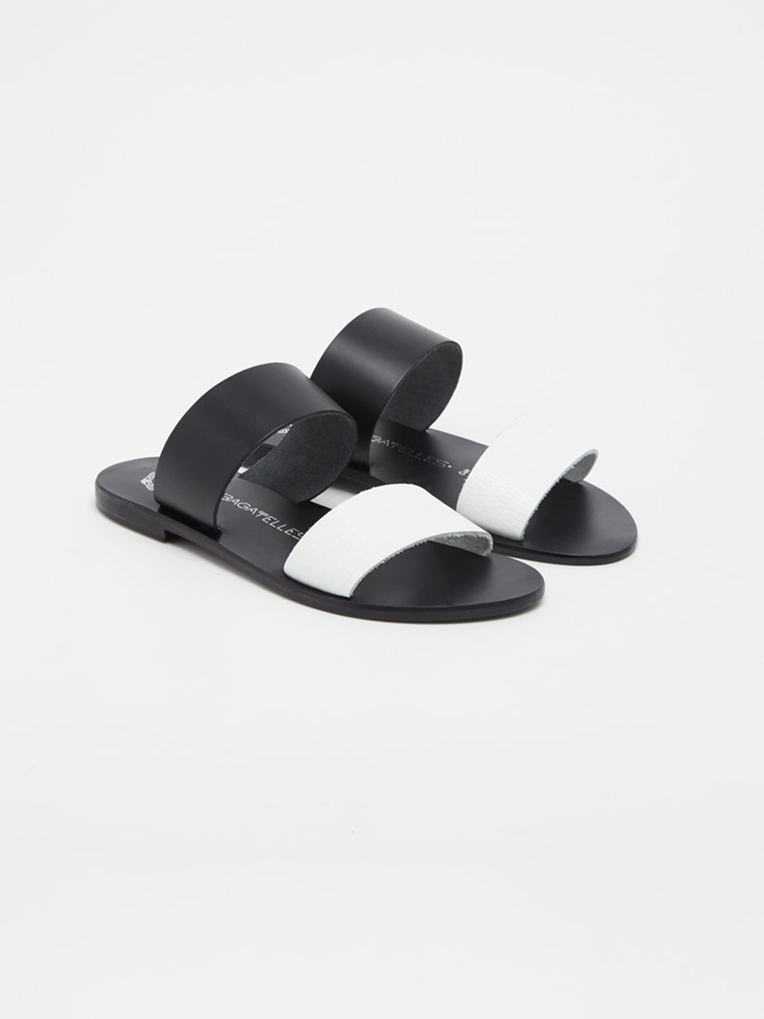 Mules Plates Noires/Blanches CALLAO