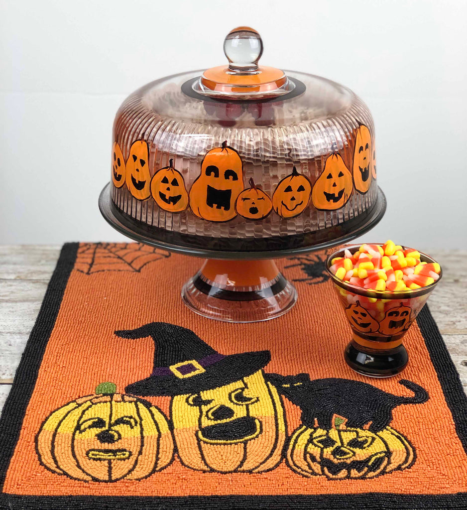 Pumpkin Family Cake Dome - Golden Hill Studio