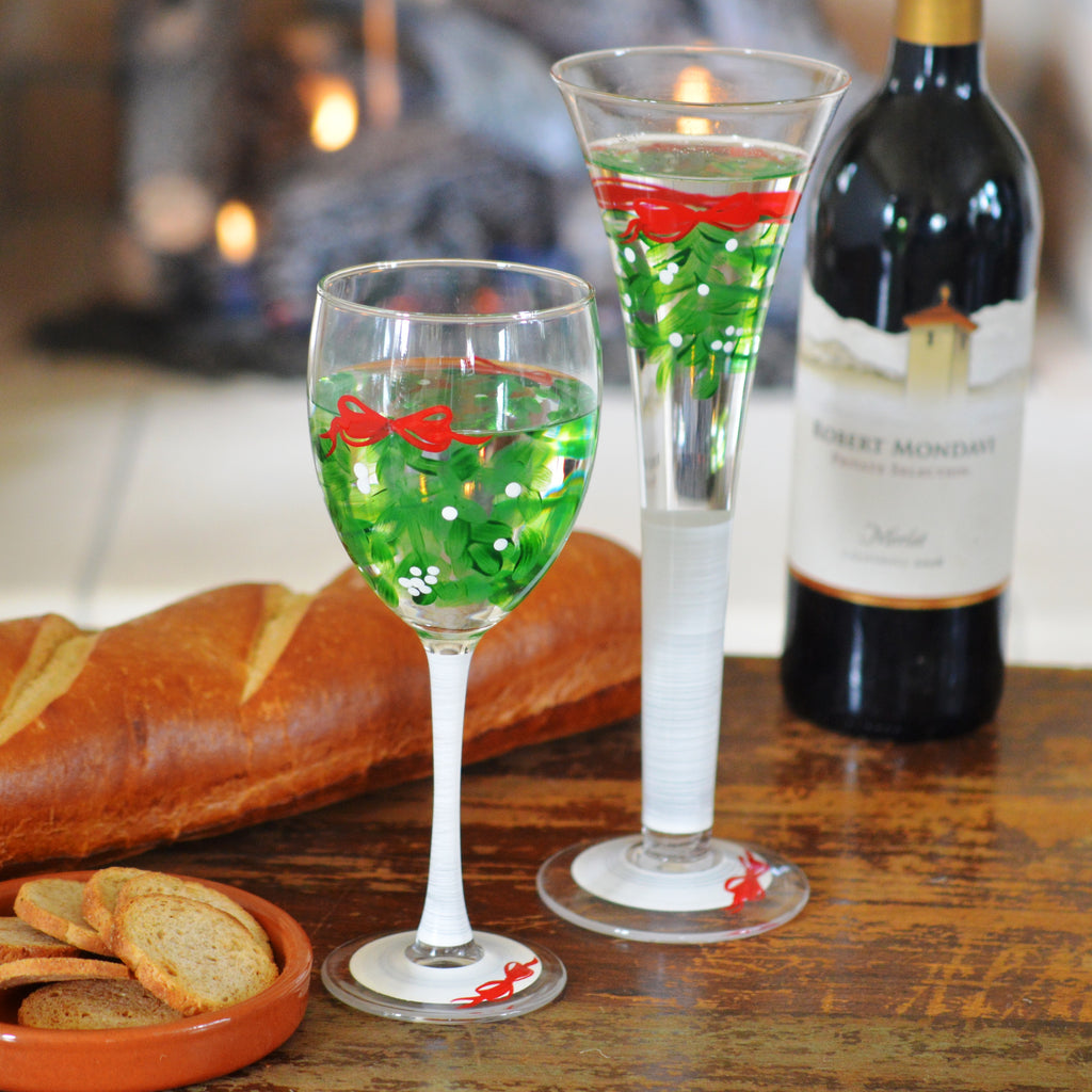 Mistletoe Wine Set/2 - Golden Hill Studio