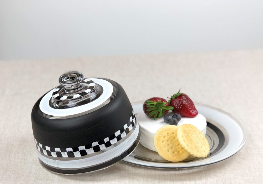 Black & White Cheese Dome - Golden Hill Studio