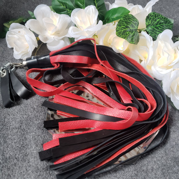 Combo sensation finger loop flogger leather rubber red black