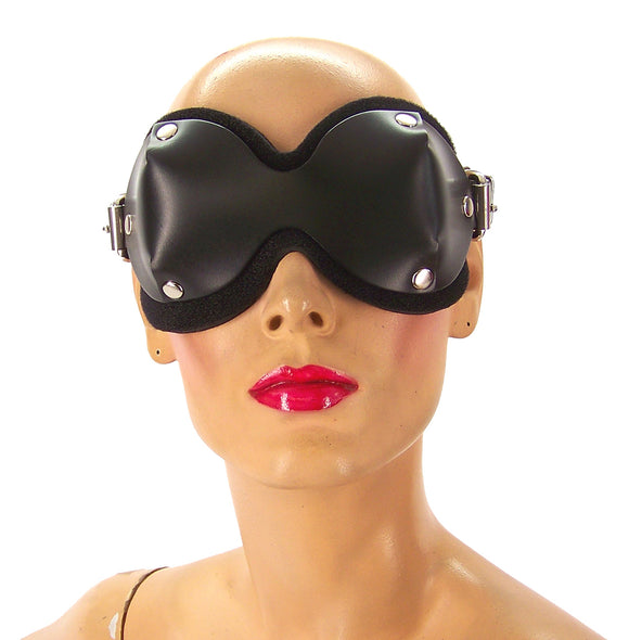 A mannequin head displaying the Ultimate Blindfold.