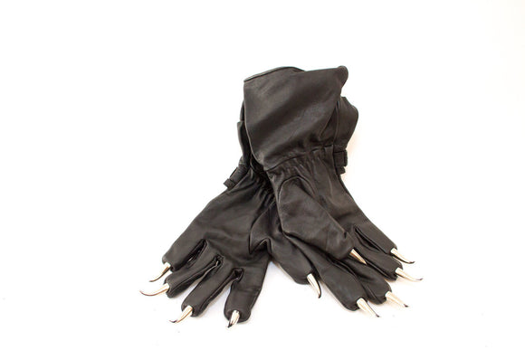 A pair of Wolf Claw Gloves