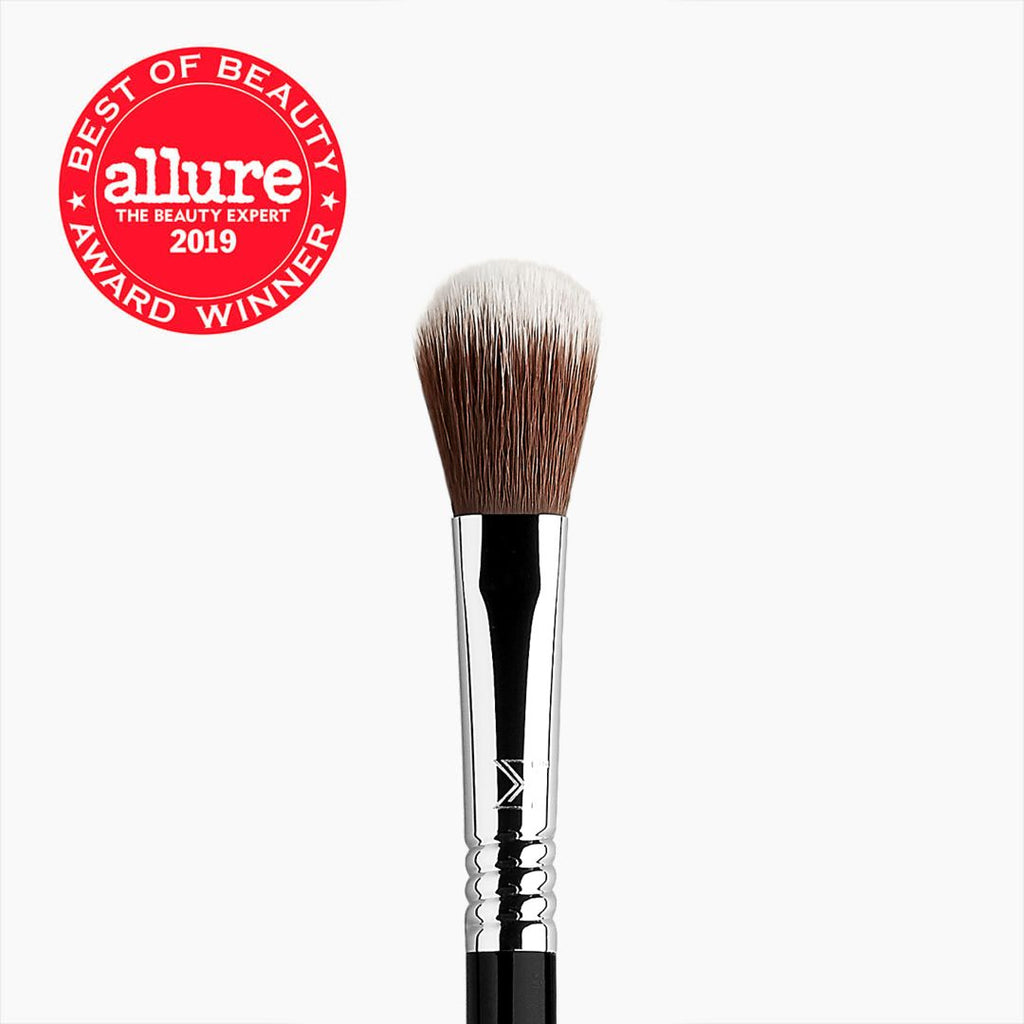 Sigma Beauty High Cheekbone Highlighter Brush