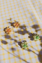 Load image into Gallery viewer, Daisy Stud Earrings