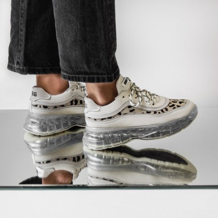Bronx Bubbly Dalmation sneaker off white