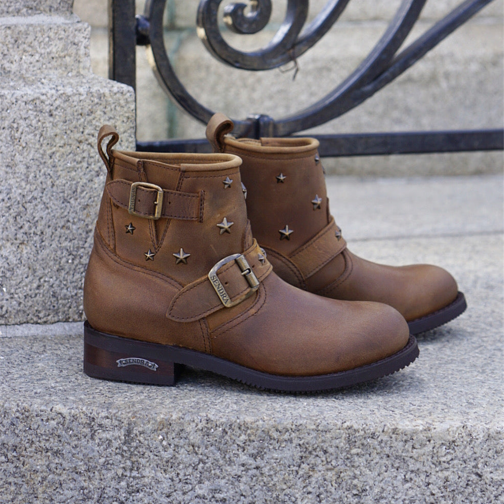 Sendra star studded biker boots - brown