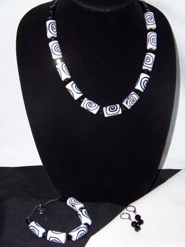 Artisan Black Swirl  Necklace Set