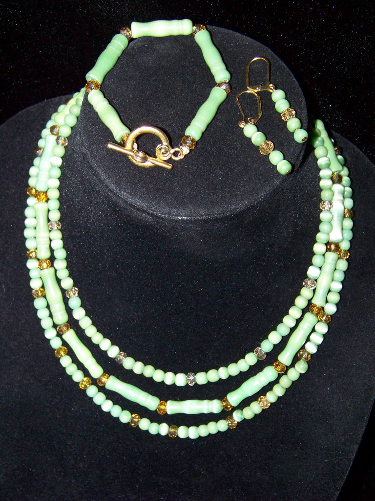Cat's Eye Glass Necklace Set
