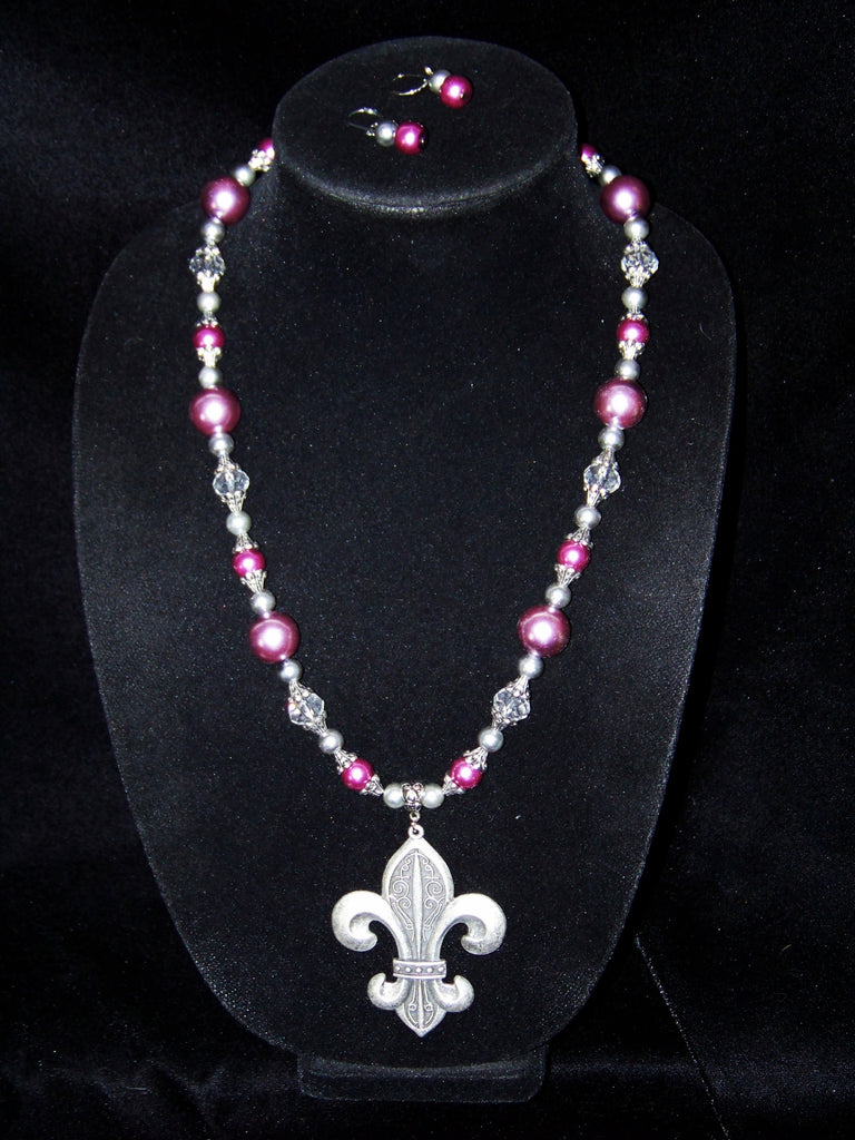 Fleur-de-lis Necklace & Earrings