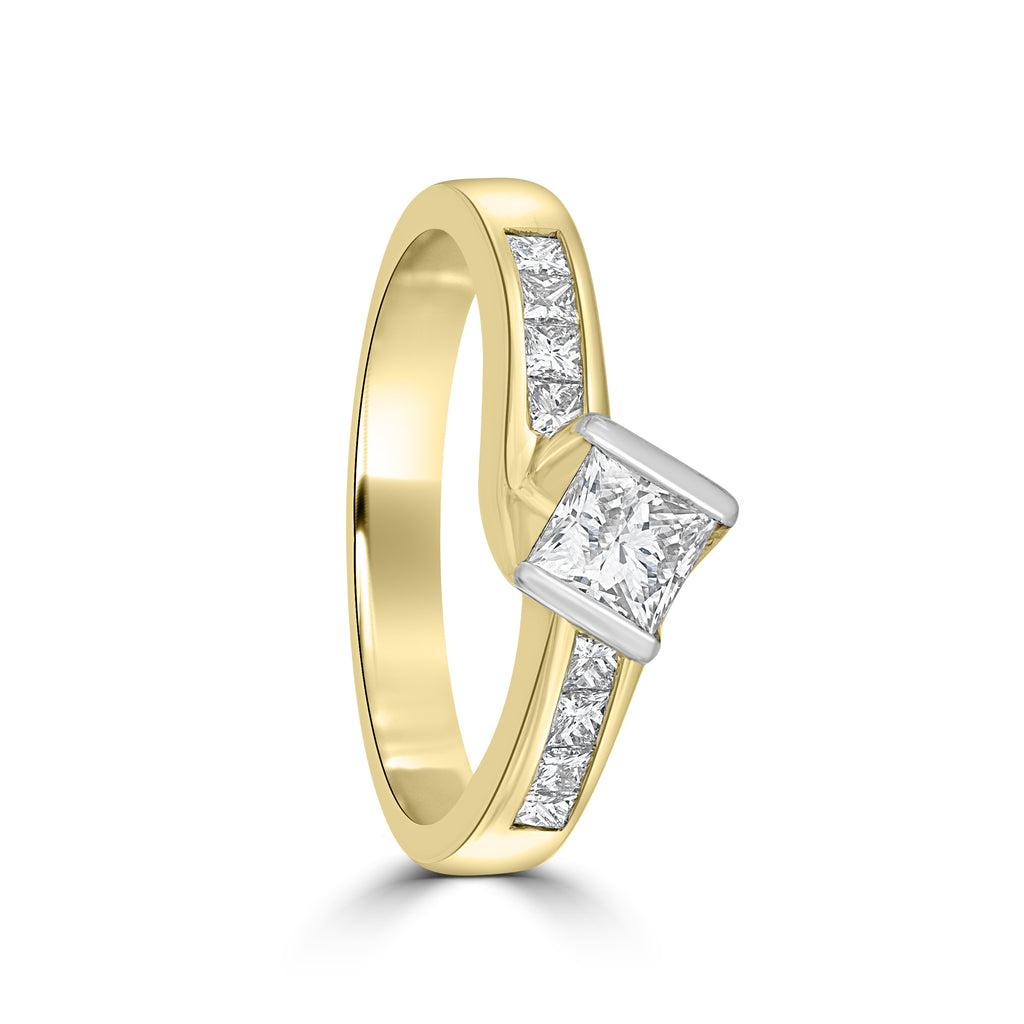 18ct Yellow Gold Princess Cut Diamond Ring