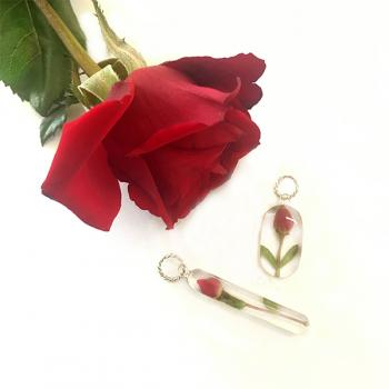 Rose Pendant Long in Sterling Silver