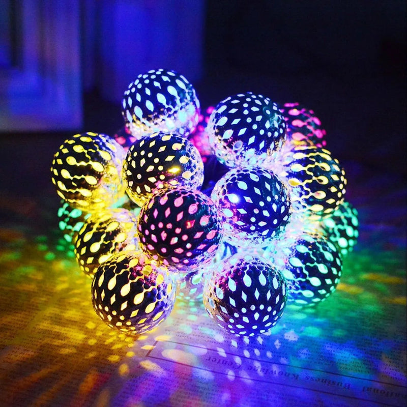 Solar-Powered Moroccan Ball String Light