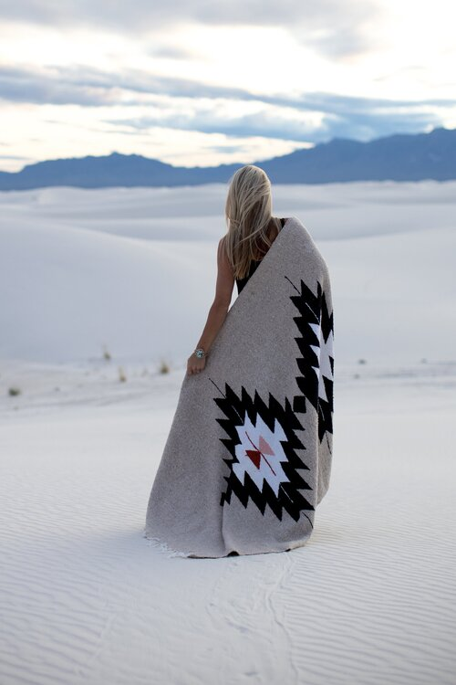Tribe & True Dos Diamantes Blanket - Natural