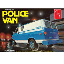 AMT Chevy Police Van (NYPD) 1:25 Scale Model Kit
