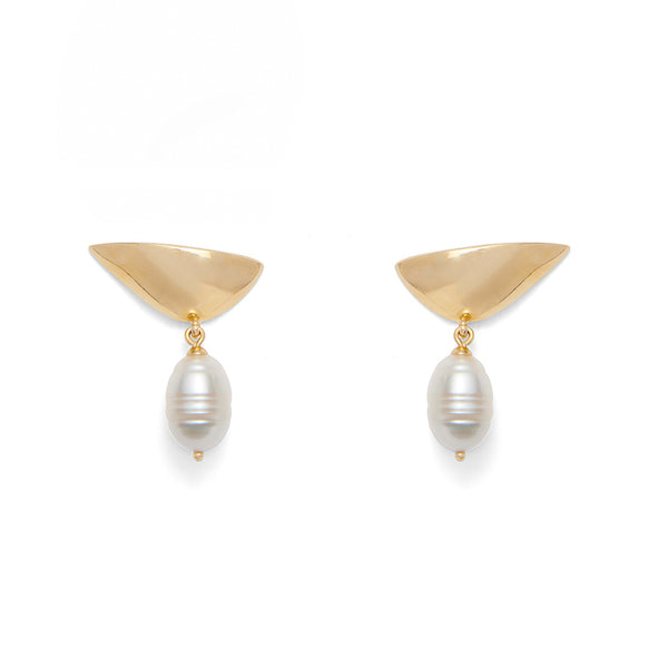 Pearl Lobe Earring in Gold
