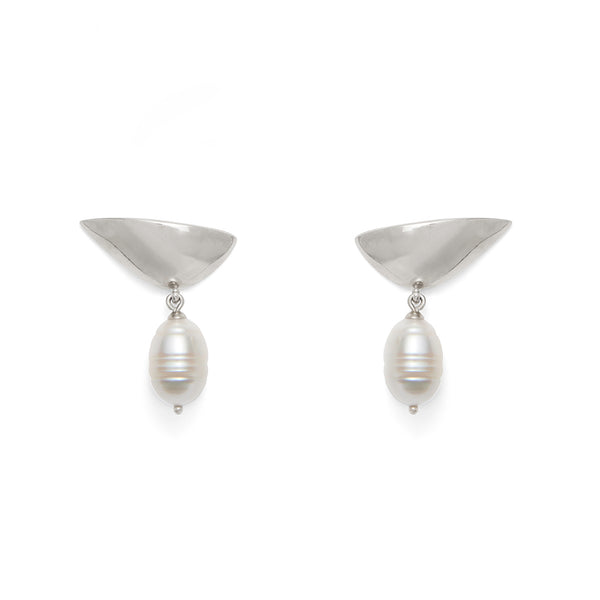 Pearl Lobe Earring in Silver