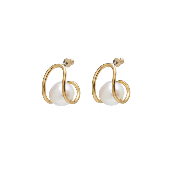 Pearl Swerve Earring in Gold