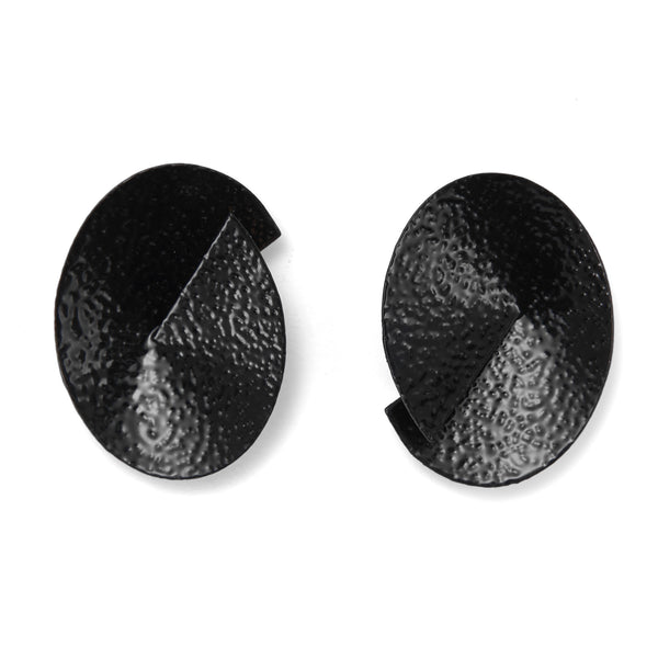 Ori Earring in Black Pebble