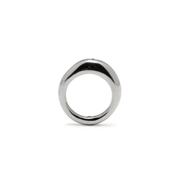 Thin Organic Ring in Rhodium