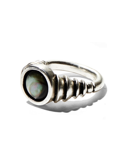 *Tidal Ring in Silver with Tahitian Mother of Pearl