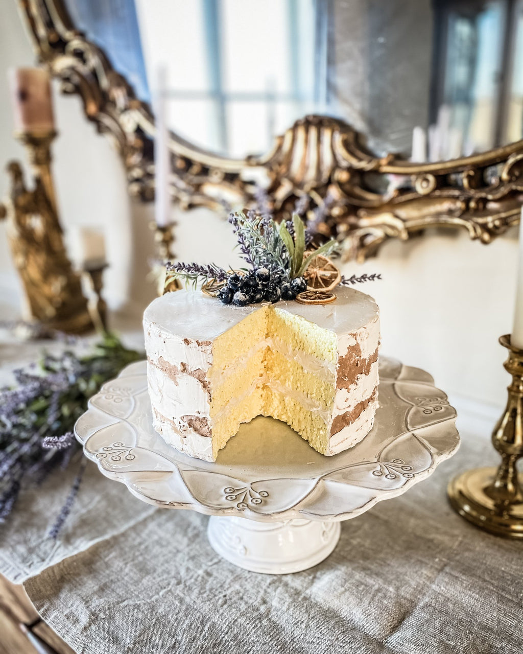 Everything Dawn Fake Cake Lavender Douce Amère Faux Cake