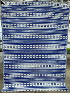 6' x 9' Blue & White Outdoor Rug